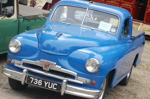 Country & Classics Show: Blue Morris Pick Up